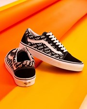 Vans Womens Old Skool Shoes Black/True White