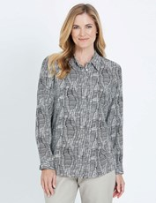 Noni B Long Sleeve Concealed Placket Print Shirt black